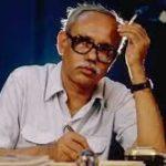 """"""" ধর্মে আছো জিরাফেও আছো"""" - কবি শক্তি চট্টোপাধ্যায়।"""